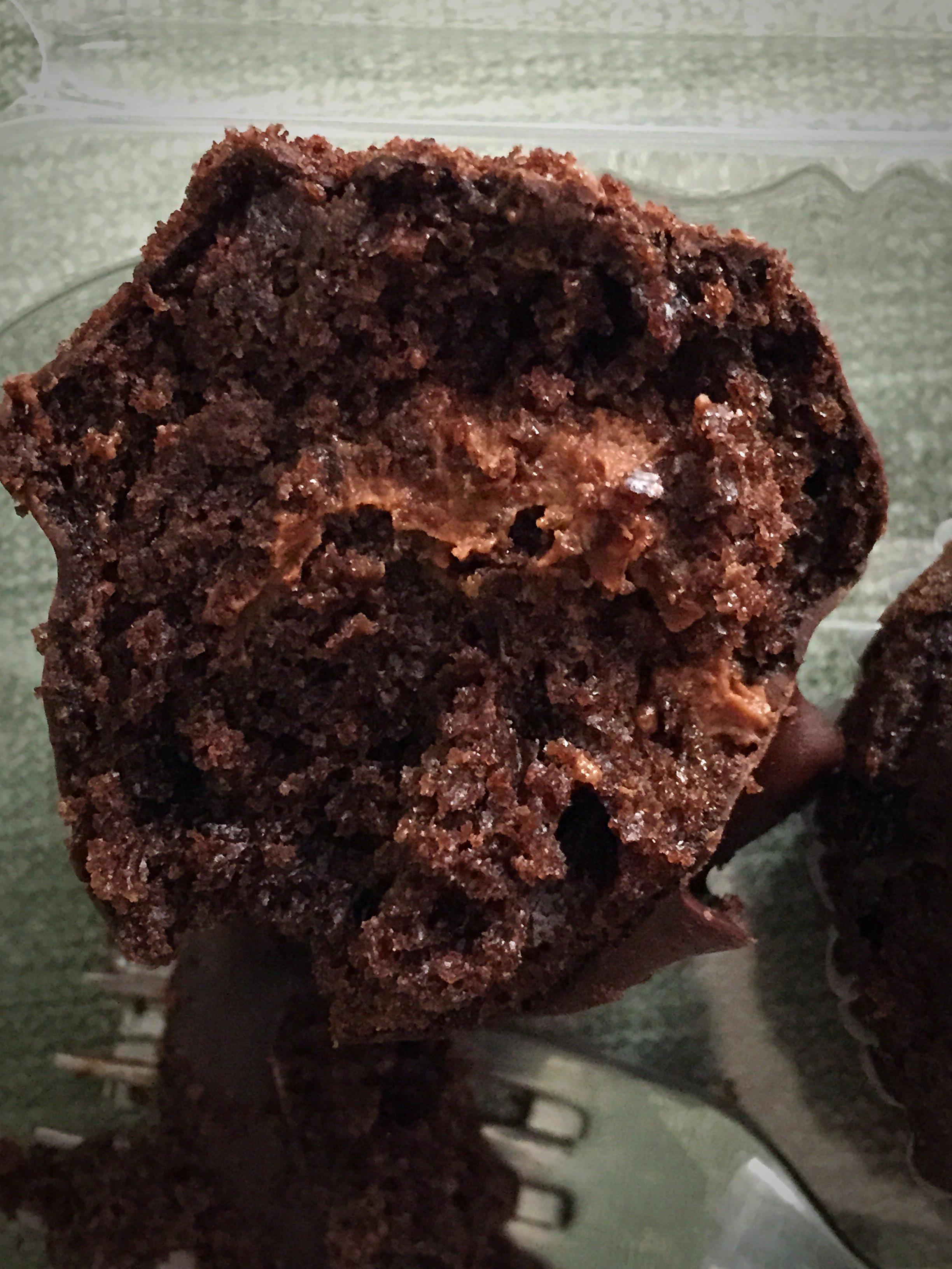 Salted caramel cupcake 2